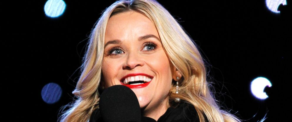 PHOTO: Reese Witherspoon hosts the 93rd Annual National Christmas Tree Lighting at The Ellipse, Dec. 3, 2015 in Washington.
