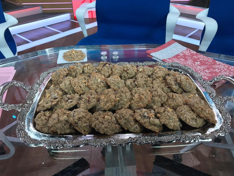 PHOTO: John Legend shared on GMA his recipe for peanut butter oatmeal chocolate chunk cookies.