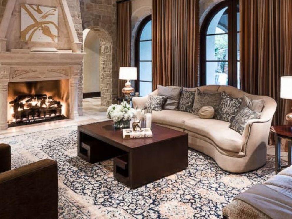 PHOTO: Lady Gaga rented this $20 million Houston estate, Villa Encantado, through Airbnb Super Bowl weekend.