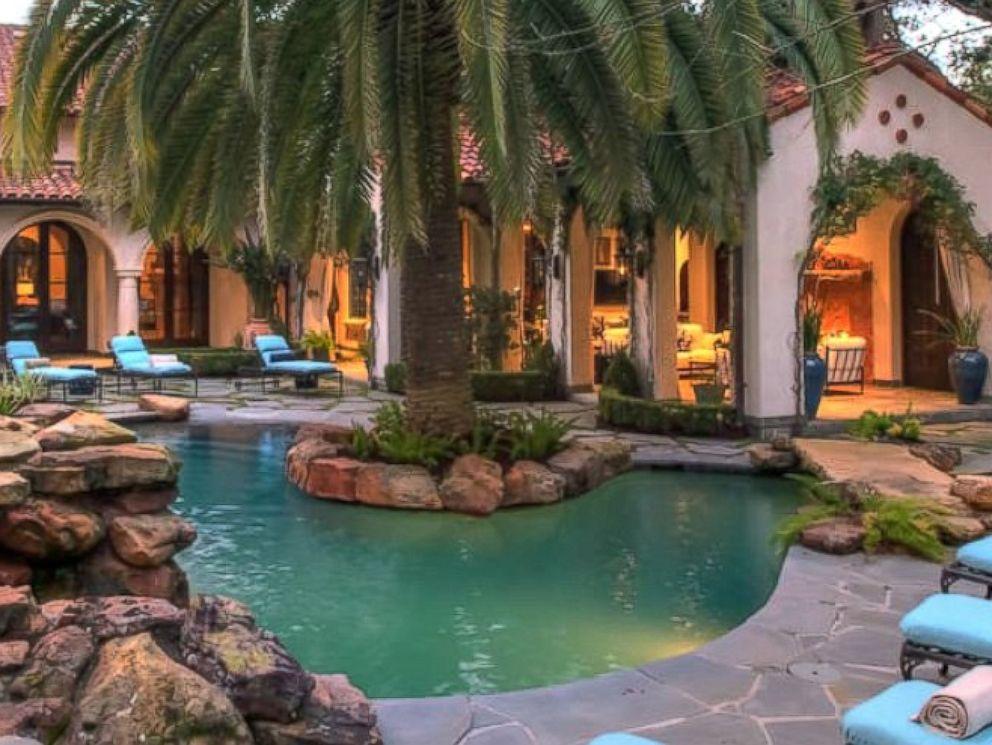 PHOTO: Lady Gaga rented this $20 million Houston estate, Villa Encantado, through Airbnb for the Super Bowl.