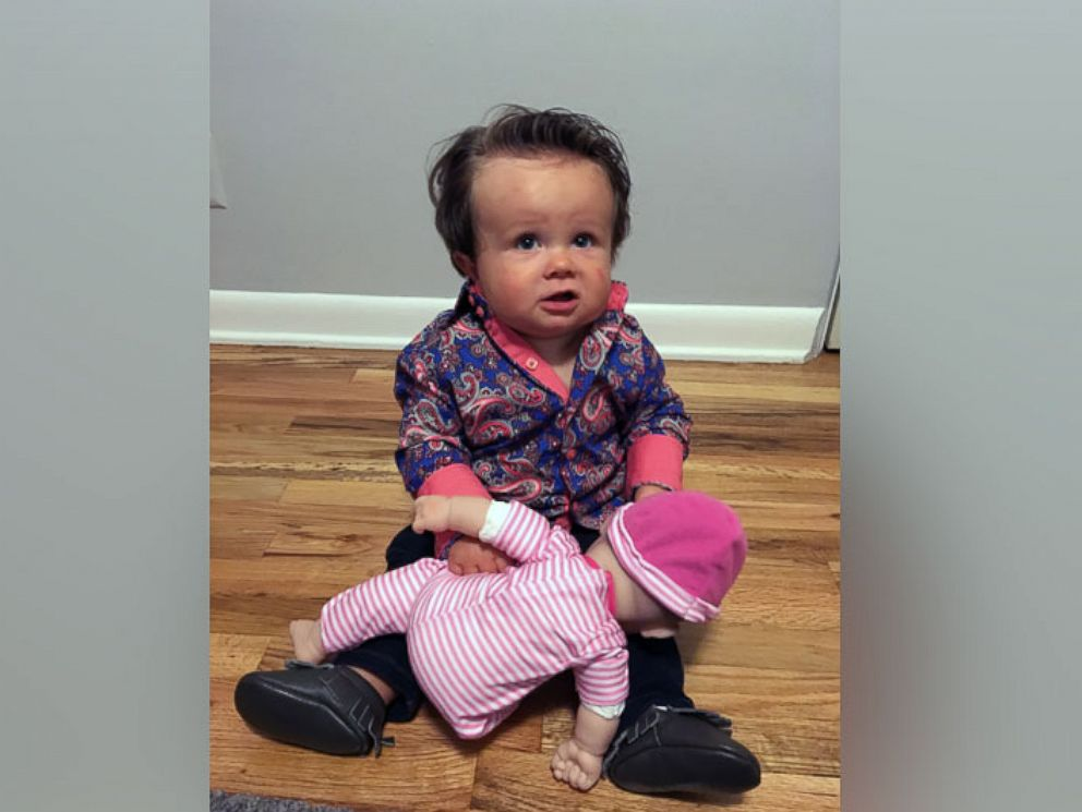 10 month old wins halloween with modern family cam costume abc news