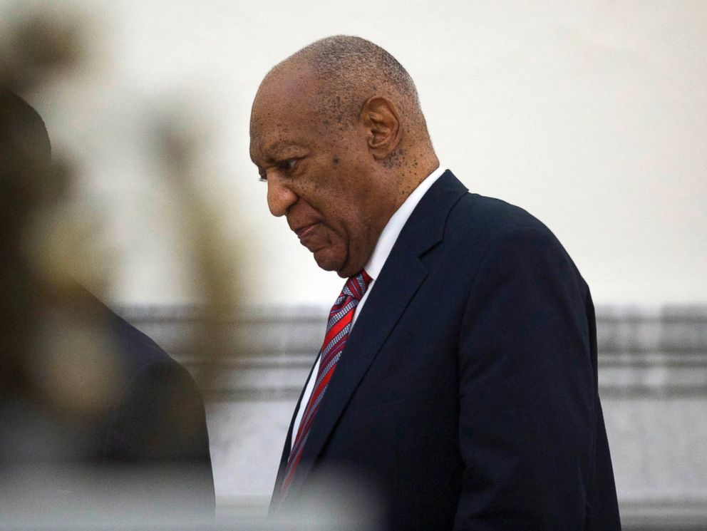 PHOTO: Bill Cosby walks through the Montgomery County Courthouse in Norristown, Pa., June 7, 2017, on the third day of his sexual assault trial.