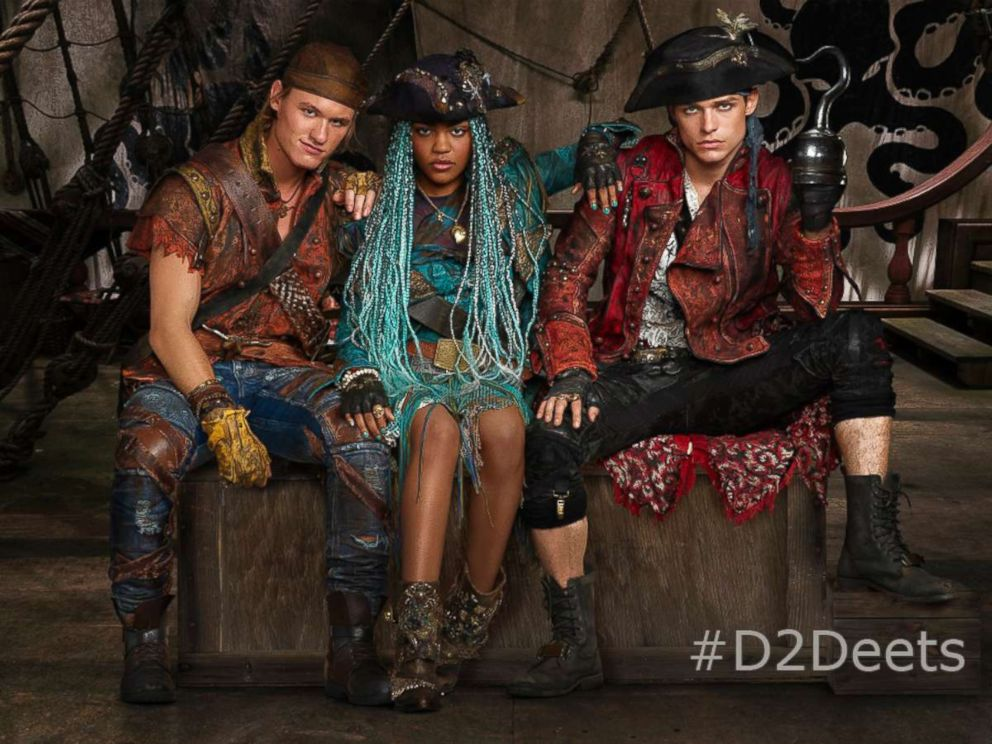 PHOTO: Dylan Playfair, China Anne McClain and Thomas Doherty in Descendants 2.