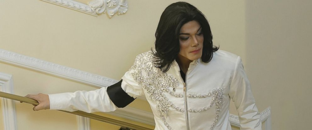 "PHOTO: Navi plays Michael Jackson in ""Michael Jackson: Searching for Neverland."""