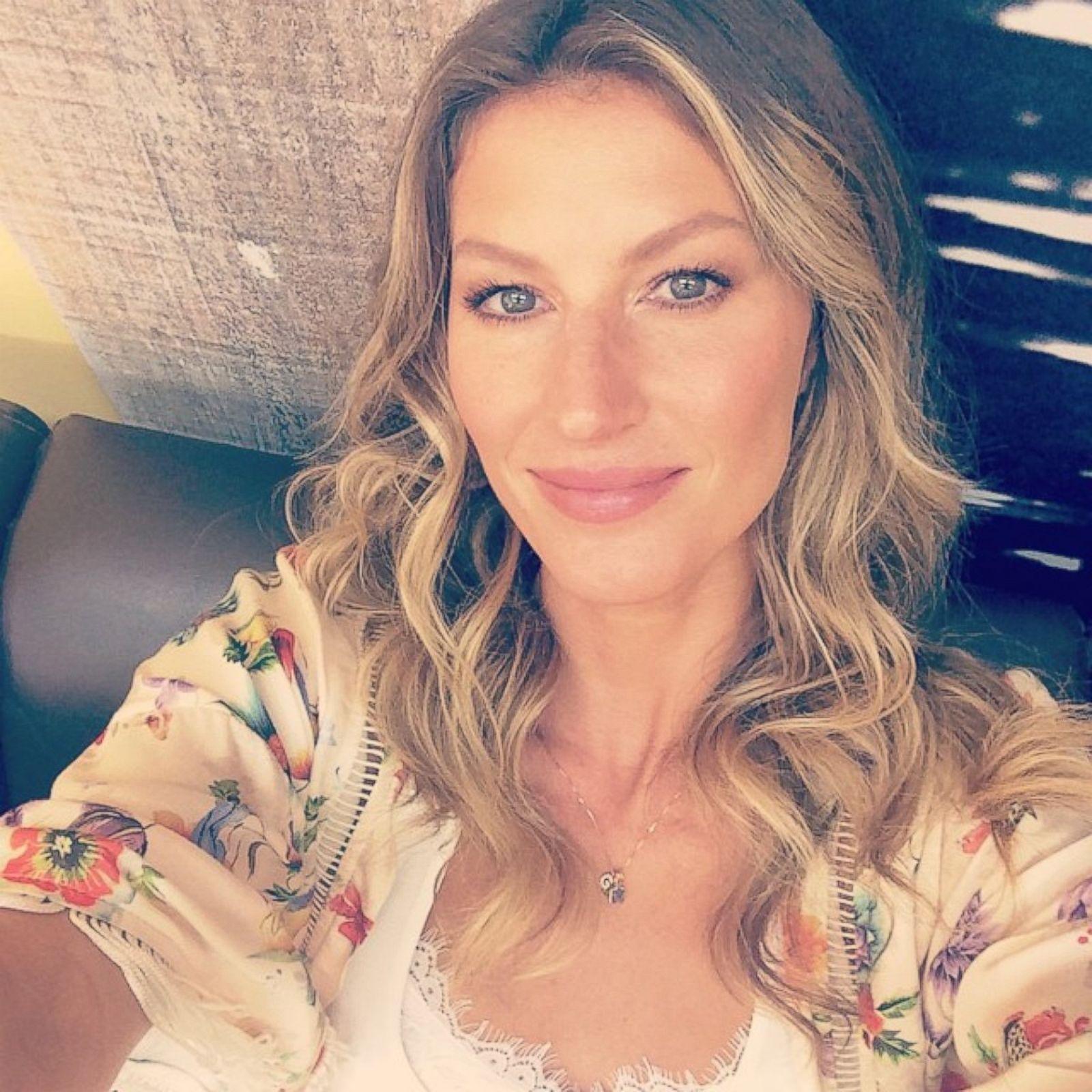 Selfie Gisele Bundchen nude photos 2019