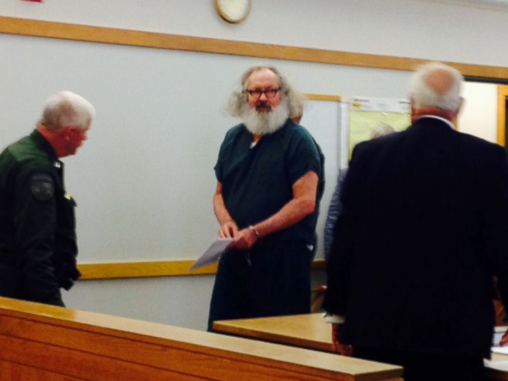 PHOTO: Randy Quaid arrives in court in Vermont, Oct. 15, 2015.