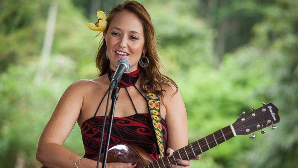 Hawaiian Artist Anuhea Traces Island Reggae Influences - ABC