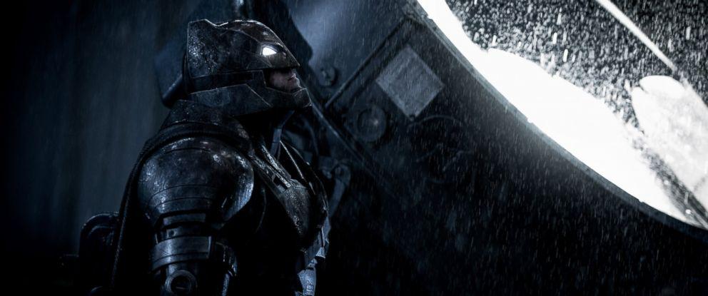 PHOTO Ben Affleck Is Seen Here As Batman In V Superman Dawn