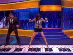 PHOTO: Sandra Bullock and Tom Hanks recreate the Chopsticks piano dance