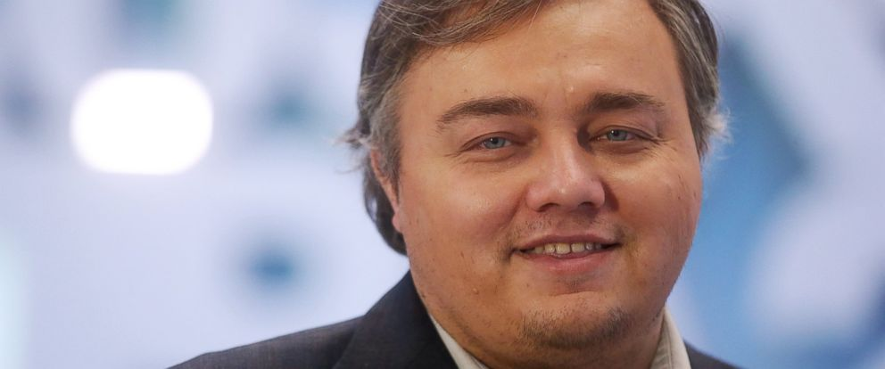 PHOTO: Roman Burtsev, a Russian doppelganger of American actor Leonardo DiCaprio, gives an interview, Jan. 21, 2016.