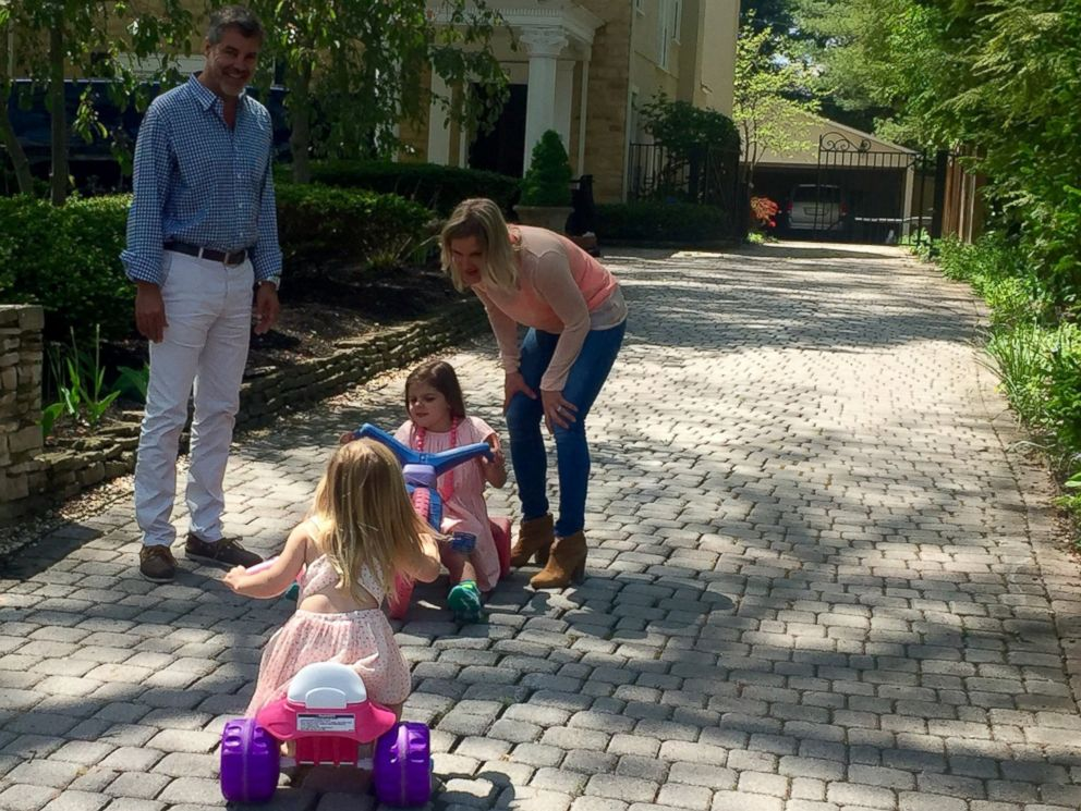 PHOTO: Gordon and Kristen Grays daughters, 5-year-old Charlotte and 2-year-old Gwenyth, were diagnosed with Batten CLN6, a degenerative brain disorder that causes blindness, seizures and death.