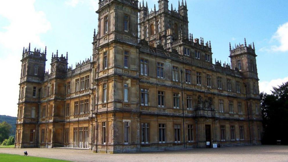where is downton abbey castle