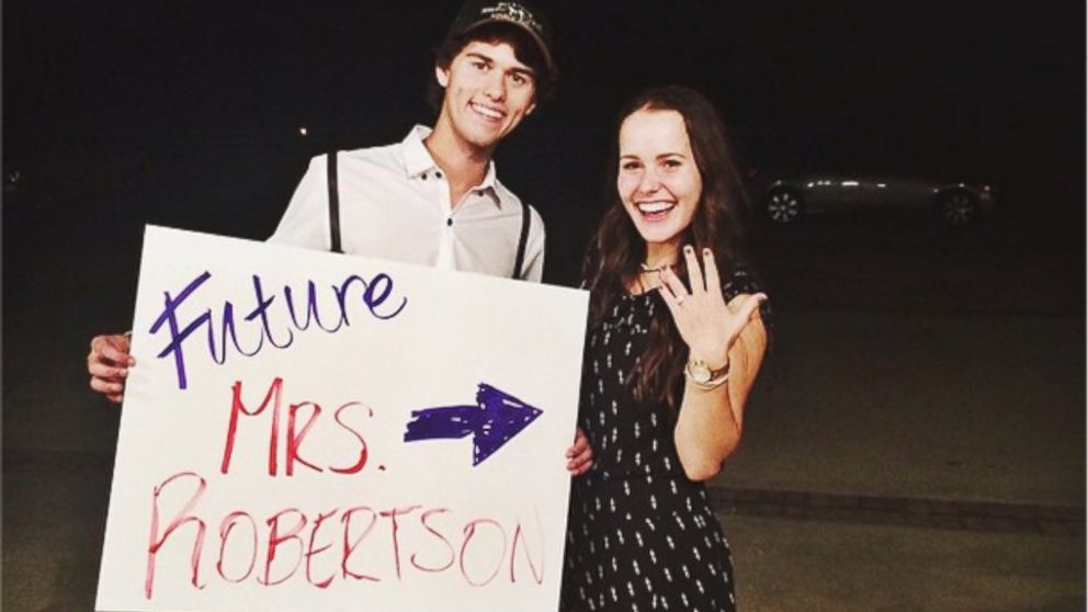 19 Year Old Duck Dynasty Star John Luke Robertson Is Engaged Abc