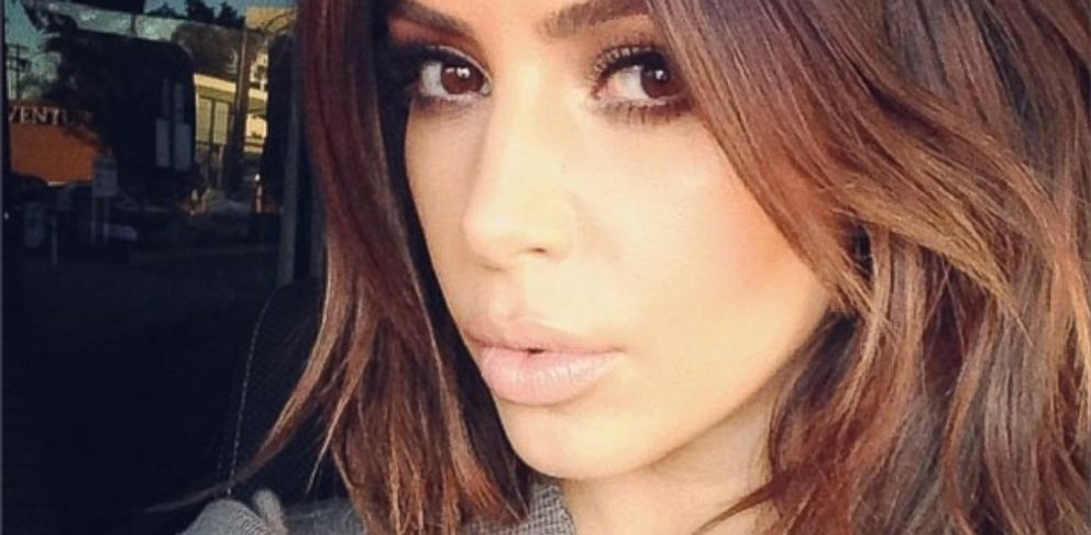 "PHOTO: Kim Kardashian says ""Im back"" with a selfie, Feb. 1, 2014."