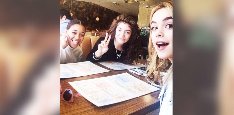 PHOTO: Kiernan Shipka, left, Lorde, center, and Amandla Stenberg are seen eating breakfast together on Feb. 23, 2014.