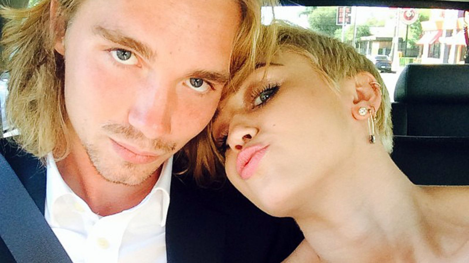 How Miley Cyrus Celebrated Her Big Mtv Vma Win Abc News