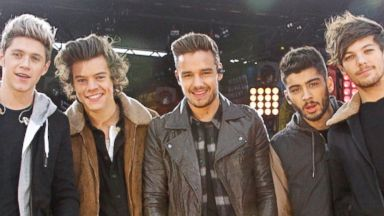 "PHOTO: One Direction performs on ""Good Morning America."""