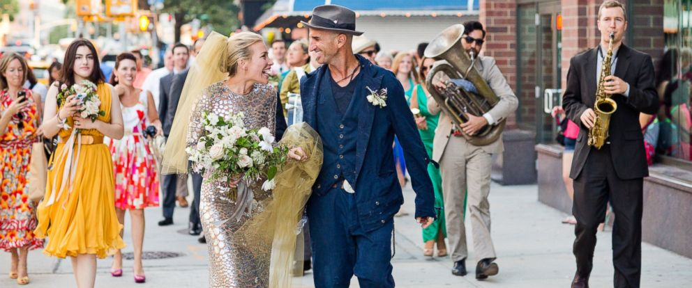 Covert affairs star piper perabo marries stephen kay abc news photo piper perabo and stephen kay on their wedding day july 26 2014 junglespirit Choice Image