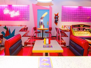PHOTO: Saved By The Bell pop-up restaurant in Chicago - The Main Dining Room
