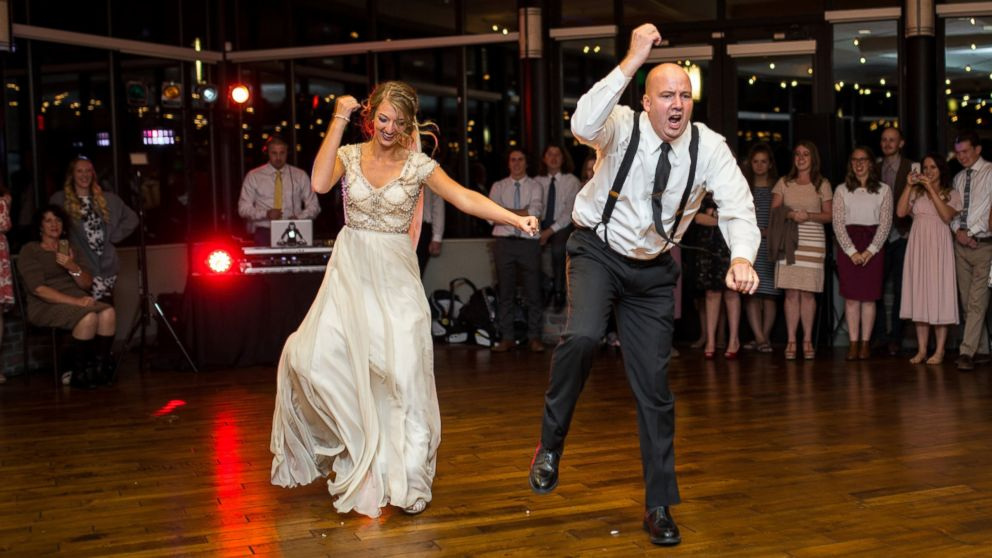 Father Daughter Wedding Dance.Dad And Daughter Perform Epic Wedding Dance Mashup Abc News