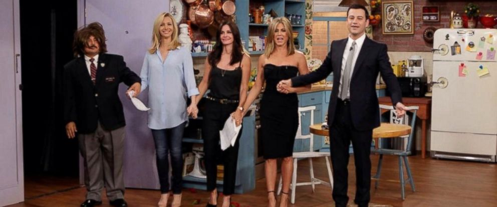 """PHOTO: """"Friends"""" co-stars Lisa Kudrow, Courteney Cox and Jennifer Aniston appear with Jimmy Kimmel and Guillermo Rodriguez on """"Jimmy Kimmel Live,"""" Aug. 27, 2014."""