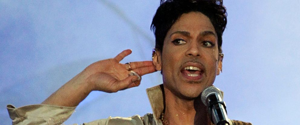 PHOTO: U.S. musician Prince performs at the Hop Farm Festival near Paddock Wood, southern England on July 3, 2011.