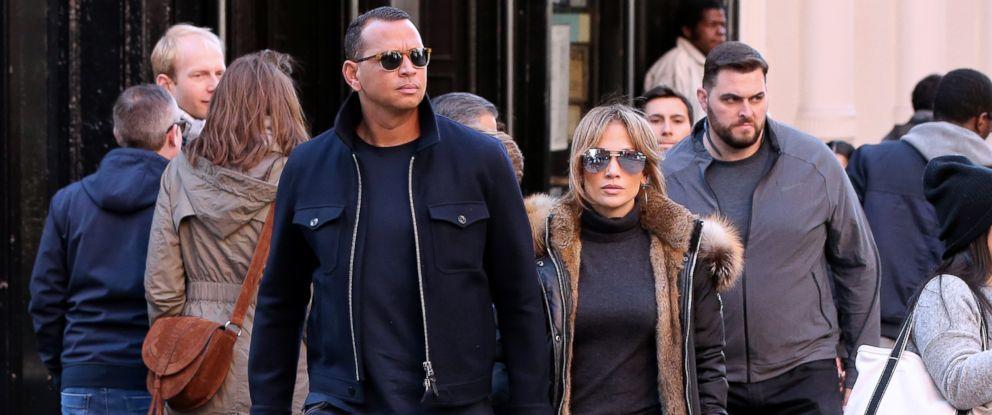 PHOTO: Actress Jennifer Lopez and her boyfriend