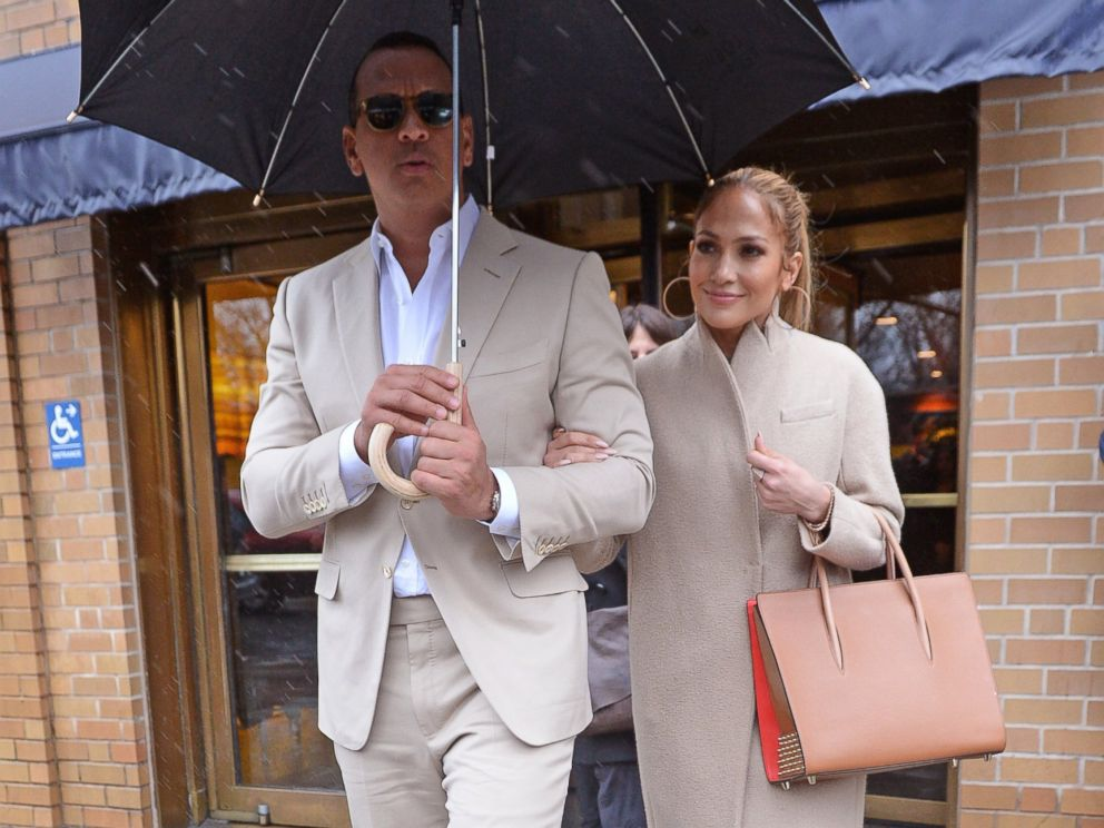 PHOTO: Alex Rodriguez and Jennifer Lopez leave a restaurant after having lunch in New York City.