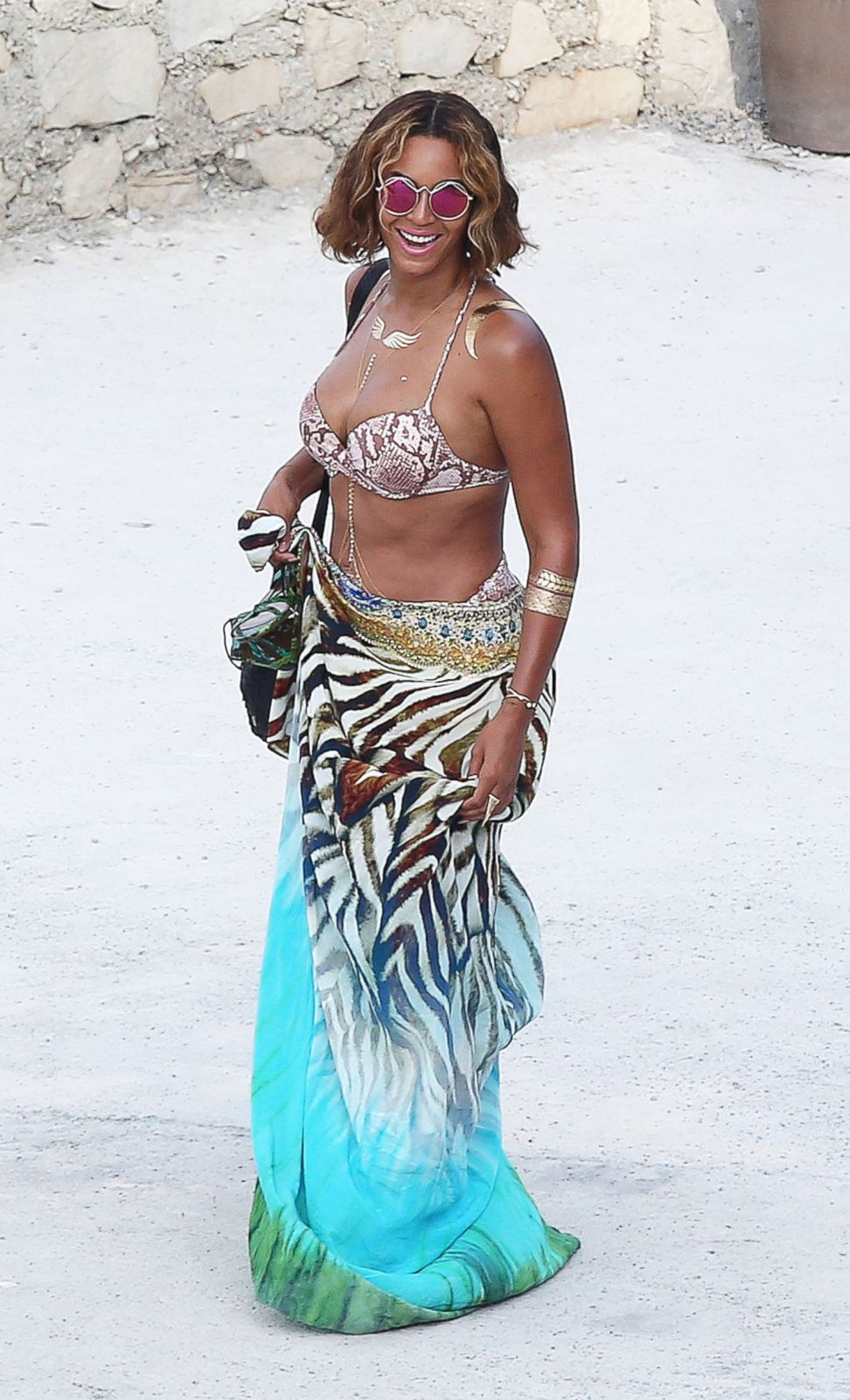 Beyonce Looks Sasha Fierce On The Beach Picture Beyonce