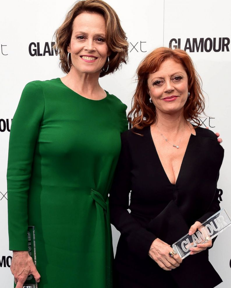 Susan Sarandon Collects Award, Confirms She's Not Sigourney Weaver ...