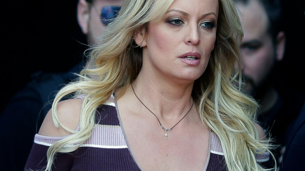 Stormy Daniels' arrest at strip club was improper: Police thumbnail