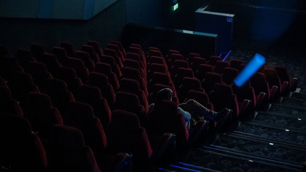 Movie Theaters For Now Stay Open Nationwide Abc News