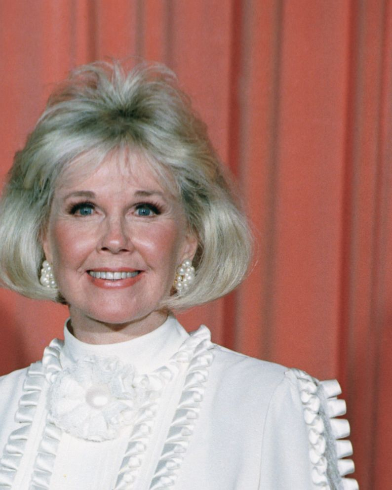 Doris Day Actress Who Honed Wholesome Image Dies At 97 Abc News