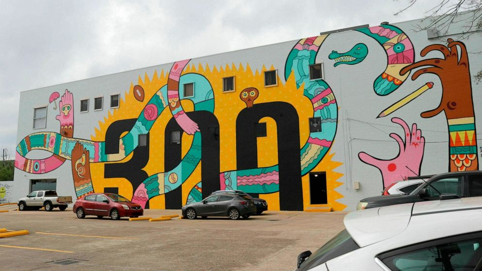 Mural with infamous Trump quotes at issue in New Orleans ...