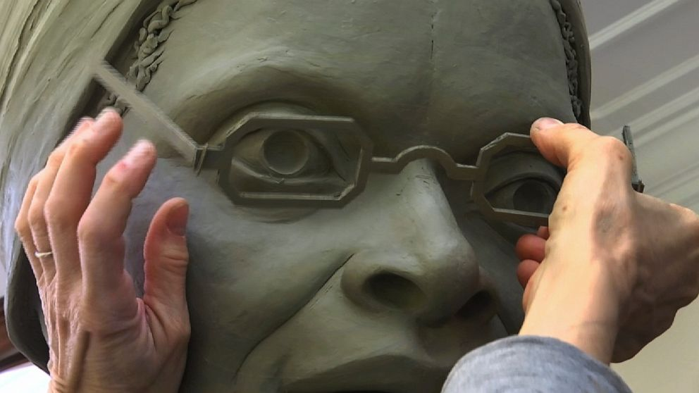 Sculptor crafting first women's statue for Central Park thumbnail