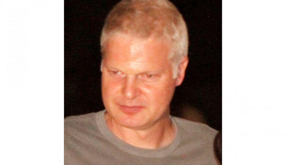 Film producer, wealthy heir, political donor Steve Bing dies thumbnail