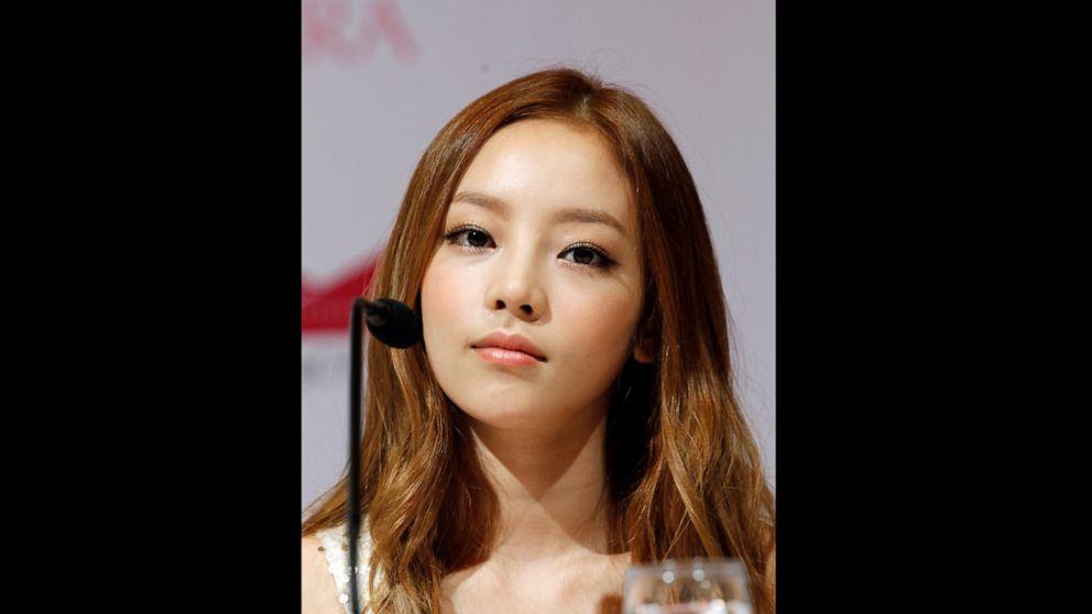 K-Pop star Goo Hara found dead at her Seoul home thumbnail