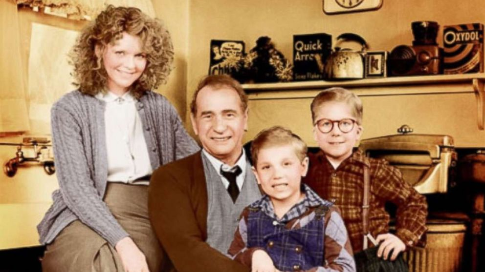 "Peter Billingsley, Melinda Dillon, Darren McGavin, and Ian Petrella poses for a cast photo for the movie ""A Christmas Story."""