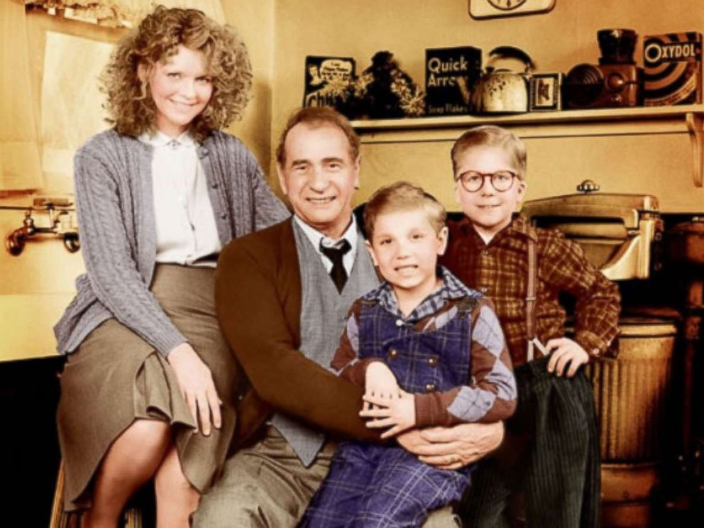 photo peter billingsley melinda dillon darren mcgavin and ian petrella poses for - Christmas Story Cast Then And Now