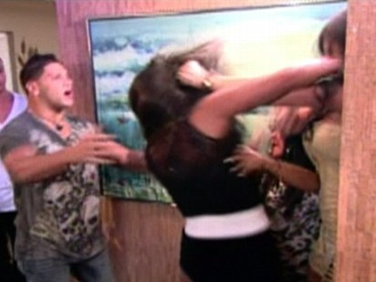 VIDEO: Jenni and Sammi have a showdown on Jersey Shore that involves punches and hair pulling.