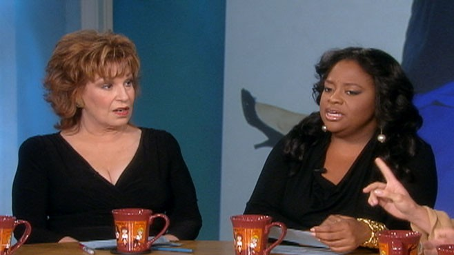 VIDEO: The women discuss blogger Maura Kellys criticism of Mike and Molly sitcom.