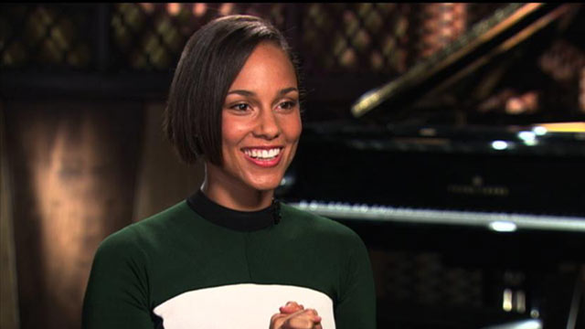 "PHOTO: Alicia Keys talks with ""Nightline"" Cynthia McFadden about motherhood and her new studio album, ""Girl On Fire."""