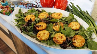 PHOTO: Emeril Lagasse's crustless mini quiches
