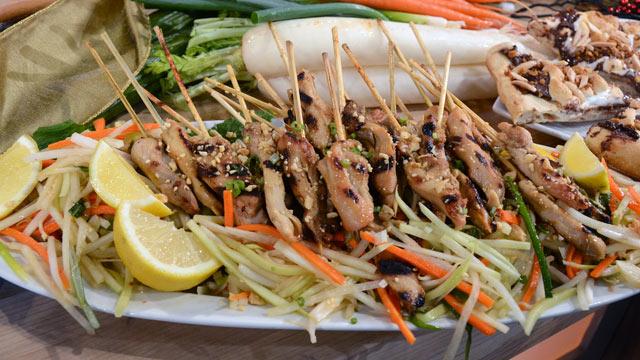 Guy Fieris Green Papaya Salad With Lemongrass Chicken Recipe