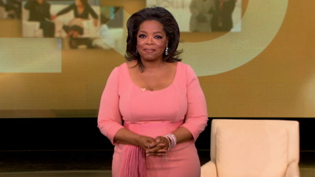 PHOTO: Oprah tapes her last show on ABC, May 25, 2011.