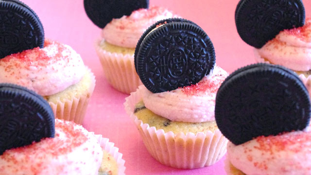 PHOTO: Lauren Torrisi's strawberry Oreo cupcakes are shown here.