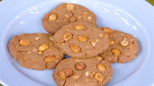 PHOTO:Peanut butter cookies from the kitchen of Dr. Howard Shapiro are shown here.