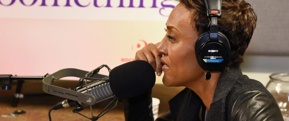 "PHOTO: ""Good Morning America"" anchor Robin Roberts talks with guests about inner strength and the power of resilience in her podcast, ""Everybodys Got Something."""