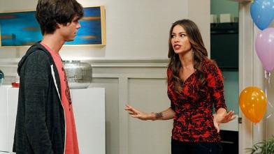PHOTO: Sofia Vergara as Gloria Delgado-Pritchett is seen in a scene from season 4 of 'Modern Family.'