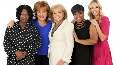 PHOTO: Whoopi Goldberg, Joy Behar, Barbara Walters, Sherri Shepard and Elizabeth Hasselbeck host ABC's The View.